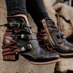 Freebird Crue Boots Black Leather Size 9 Like New!